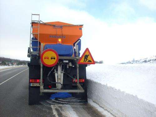 A sensor detects salt on the road to avoid excess