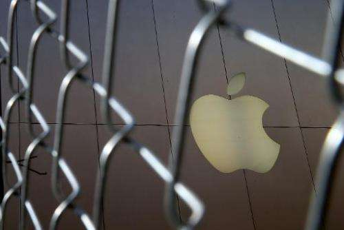 A US judge has signed off on Apple's$450 million legal deal to compensate consumers harmed by an illegal price-fixing conspirac