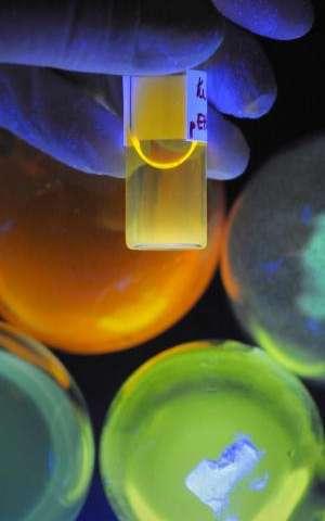 Colorful nano-guides to the liver