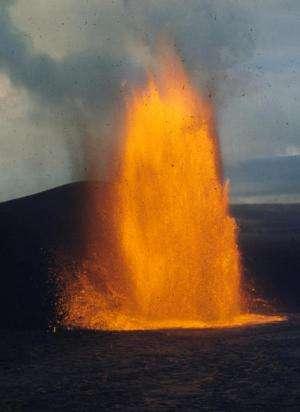 Deep origins to the behavior of Hawaiian volcanoes