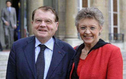 File photo of 2008 Nobel Prizewinners Luc Montagnier (L) and Francoise Barre-Sinoussi, who who co-discovered the human immunodef