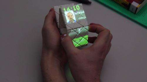 Paddle turns a Rubik's puzzle into a mobile device