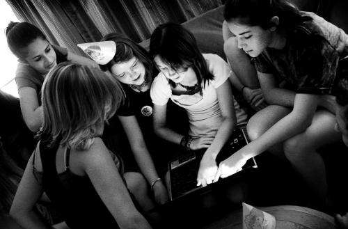 Girls more prone to social networking depression