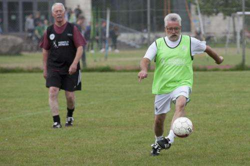 Football for untrained 70-year-old men
