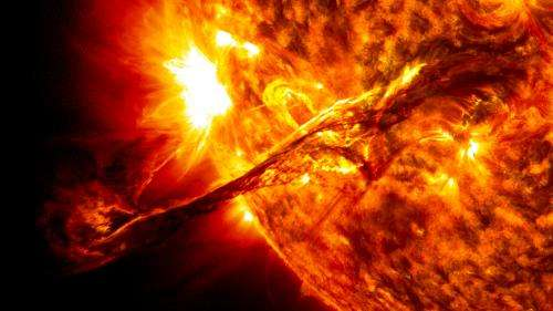 How did early Earth protect itself against the cold?