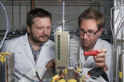 Ice in fuel cells imaged directly for the first time