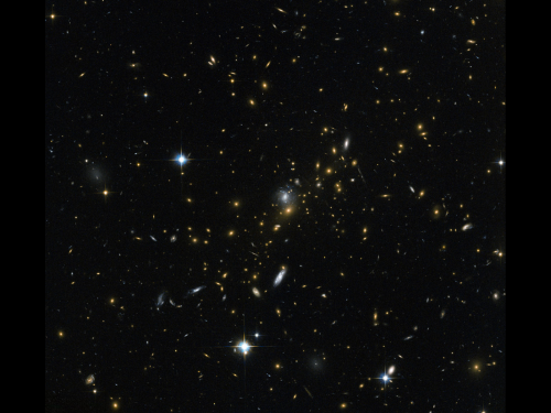Image: Magnifying the distant universe