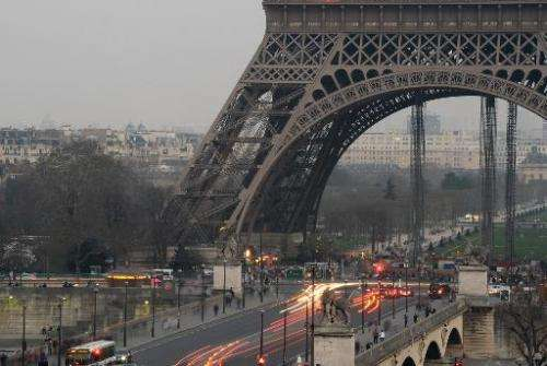In March 13, 2014, Paris authorities made public transport free for three days to encourage drivers to leave their vehicles behi