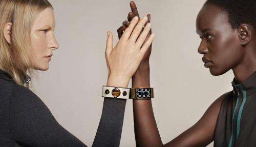 Intel is linking into fashion with MICA bracelet