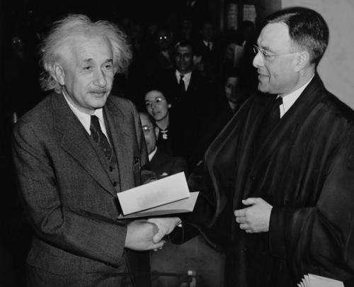 Jews  who fled Nazis revolutionized US science, Stanford economist says