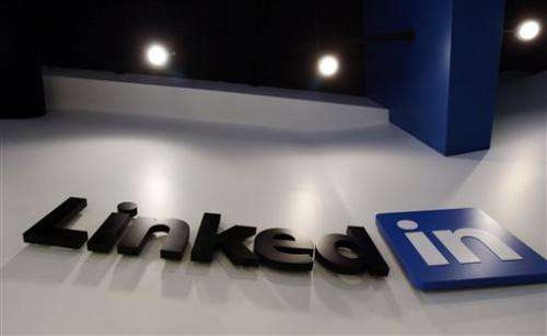 LinkedIn posts solid 4Q, but outlook disappoints