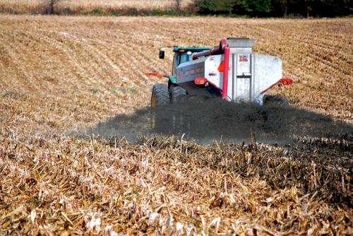 Manure offsets fertiliser's nano-scale changes