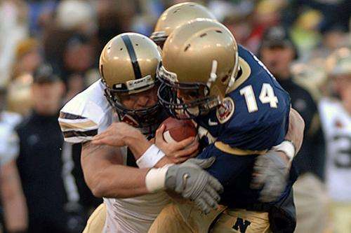 Many colleges failing to meet NCAA standards for concussion treatment