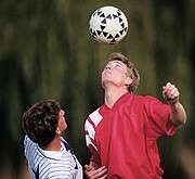 More high school athletes complying with concussion guidelines, study finds