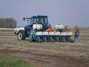 Multi-hybrid planter to advance precision ag research