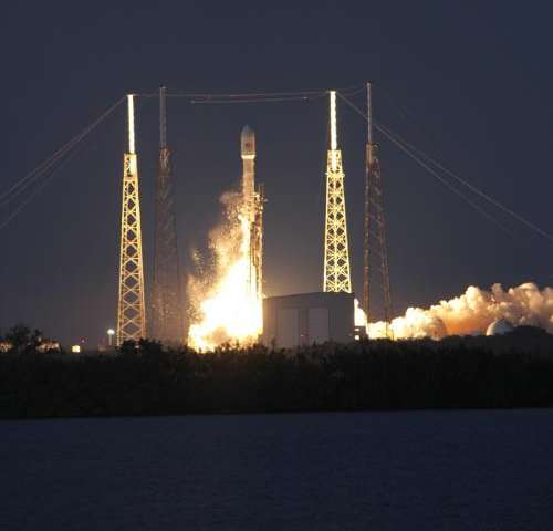 Private american rockets blast open 2014 & commercial space race with big bangs on jan. 6 & 7