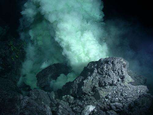 Satellite images detect underwater volcanic eruptions
