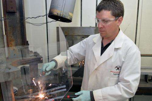 Scientists ignite aluminum water mix