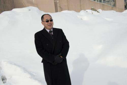 Snow falls differently on the nanoscale