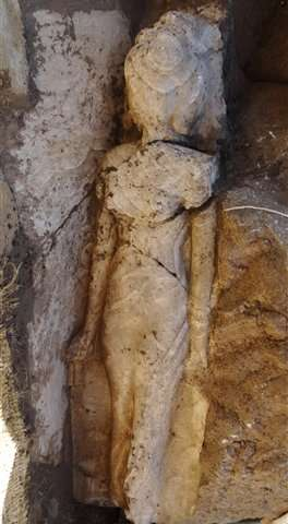 Statue of Egypt pharoanic princess found in Luxor