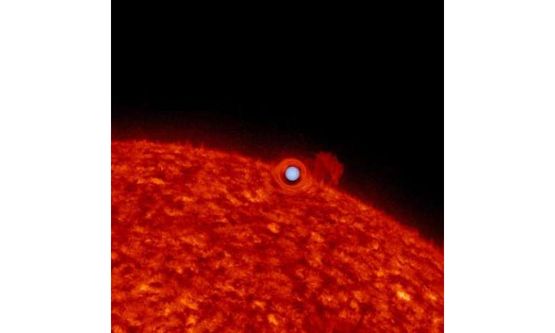 'Upside-down planet' reveals new method for studying binary star systems