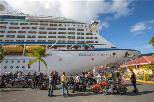 US officials probe illnesses on Caribbean cruise (Update)