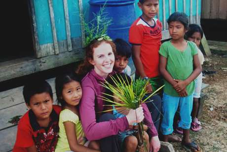 Veterinary student studies raw Amazonian meat