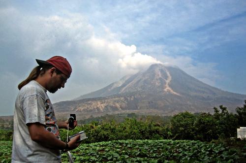 Volcano expert comments on Japan eruption