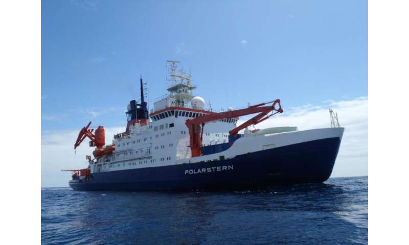 A DNA analysis of ballast water detects invasive species