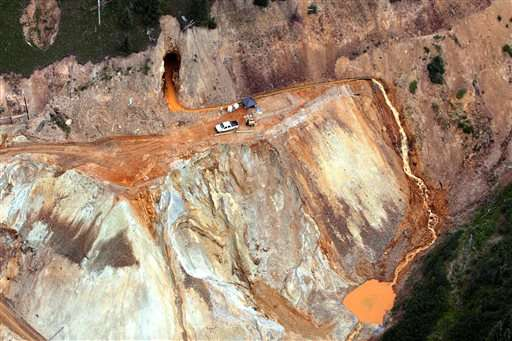 Experts see long-term calamity from Colorado mine spill