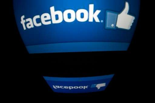 Facebook users in France have been able to send texts with its smartphone Messenger application that disappear an hour after the