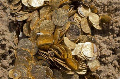 Israel unveils its largest find of medieval gold coins