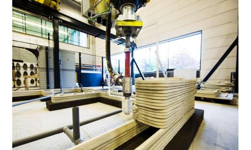 Kingsize 3-D concrete printer for research into 'concrete 2.0'