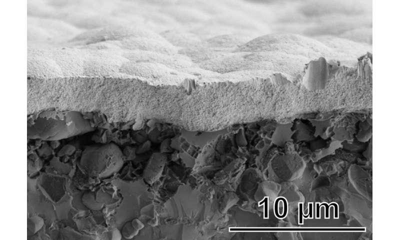 Nanopores for improved radar sensor technology