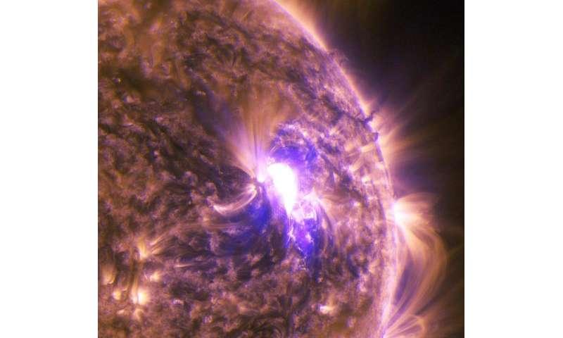 NASA's SDO sees mid-level solar flare
