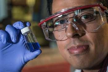 Rice makes light-driven nanosubmarines