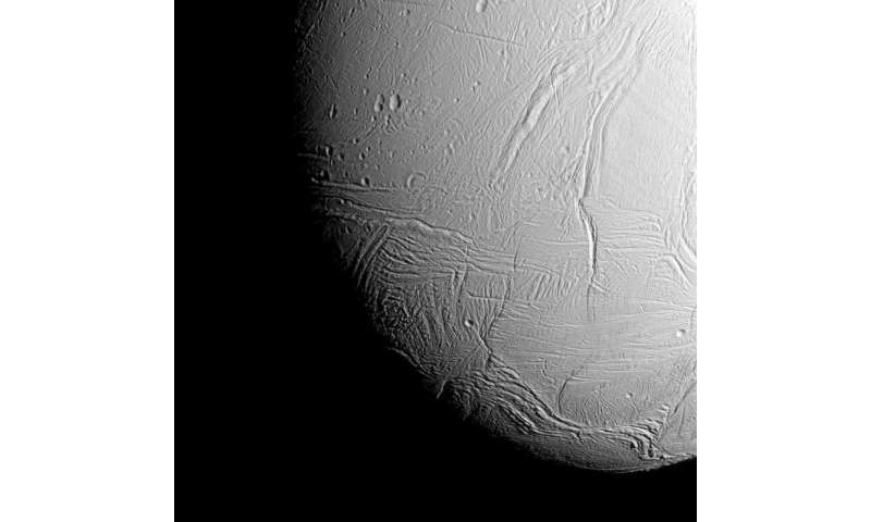 Saturn's geyser moon shines in close flyby views