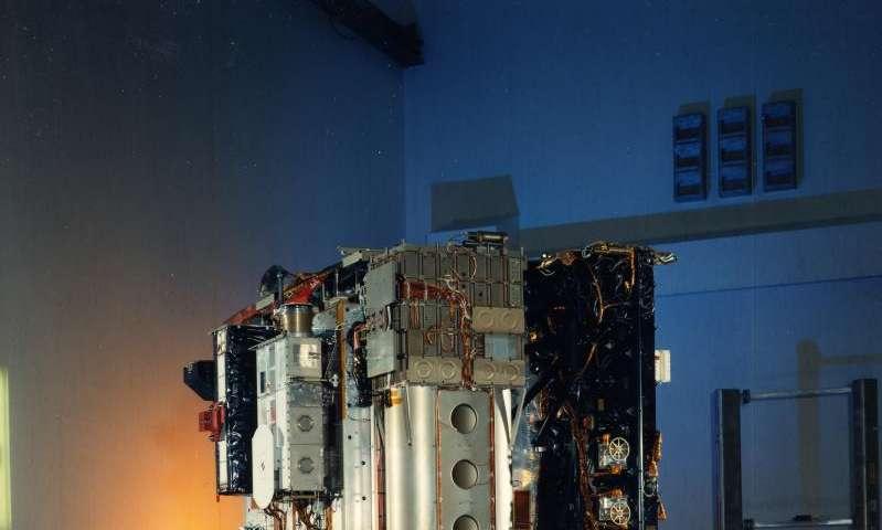 SOHO nears 3,000 comet discoveries