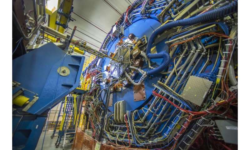 Scientists see ripples of a particle-separating wave in primordial plasma