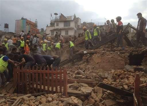 Nepal quake: Nearly 1,400 dead, Everest shaken