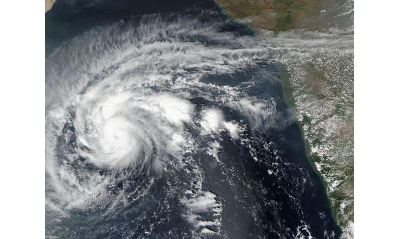 NASA-NOAA's Suomi NPP satellite sees Tropical Cyclone Chapala developing an eye