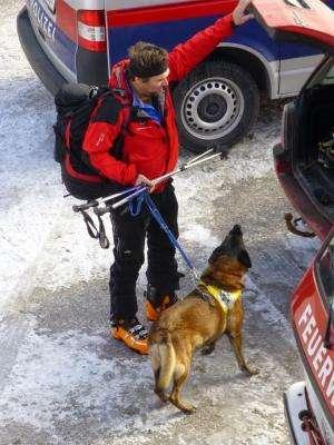 Calling on satellites in alpine rescues