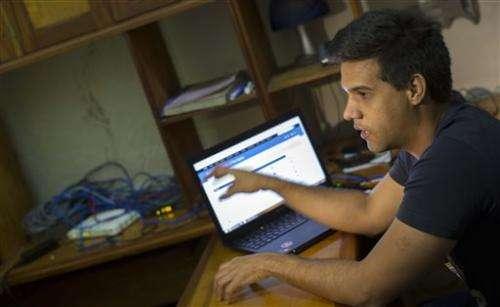 Cuban youth build secret computer network despite Wi-Fi ban