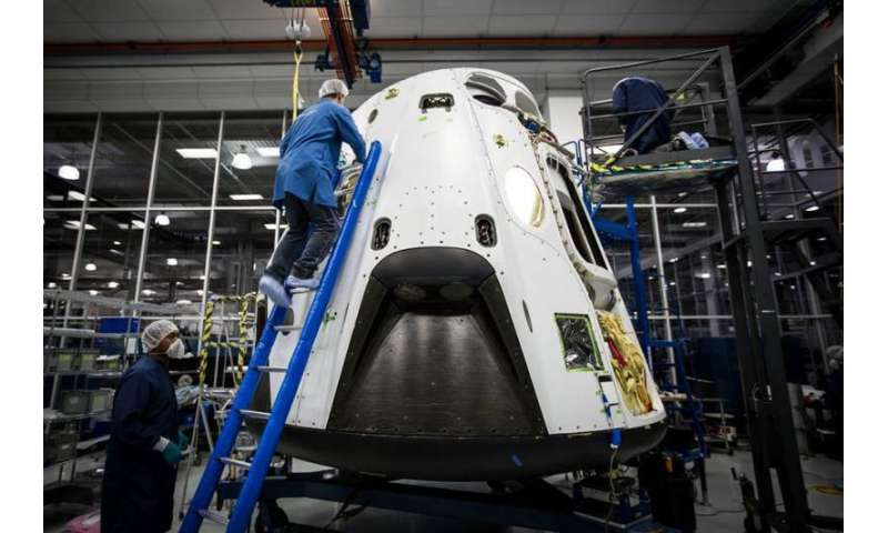 SpaceX picks up launch pace, sets April 27 commercial launch and May 5 Dragon pad abort test