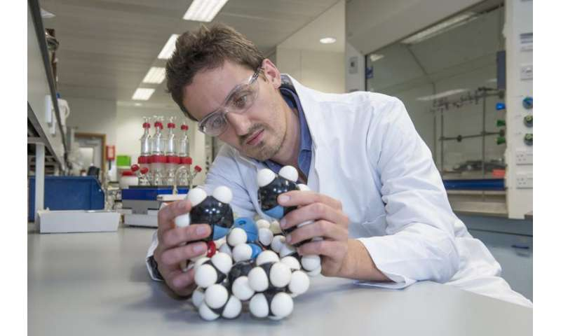 Chemists create switchable gold catalyst