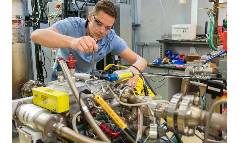 Collaboration to study dual-fuel vehicles