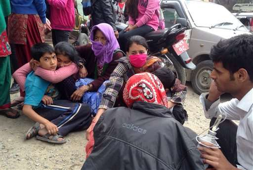 Nepal quake: Nearly 1,400 dead, Everest shaken