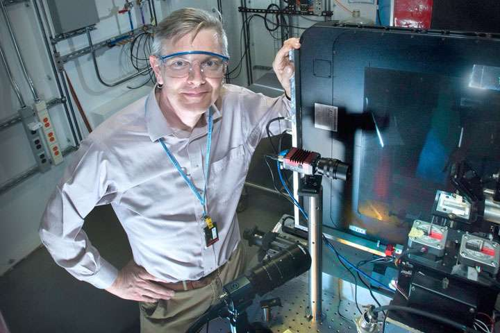Study explores nanoscale structure of thin films