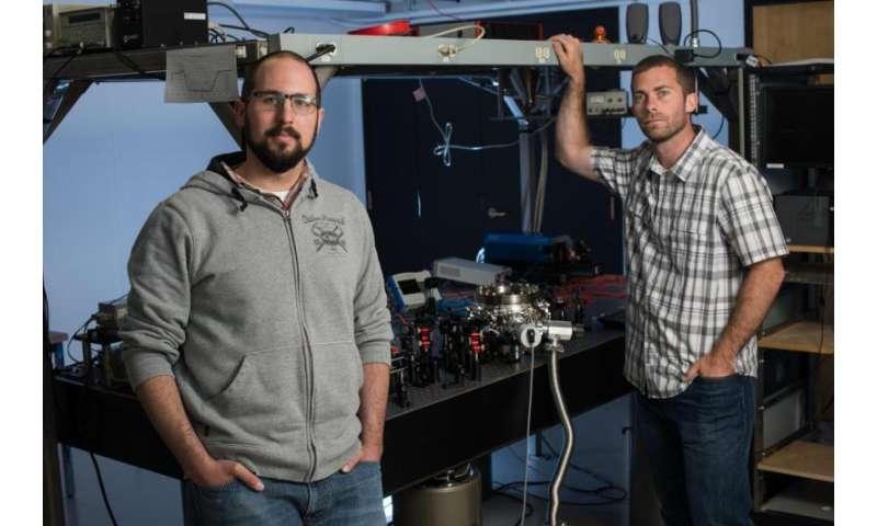 Researchers use laser to levitate, glowing nanodiamonds in vacuum