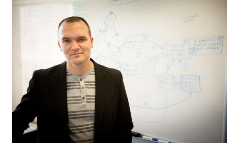 Researcher develops model to show effects of personalizing online information